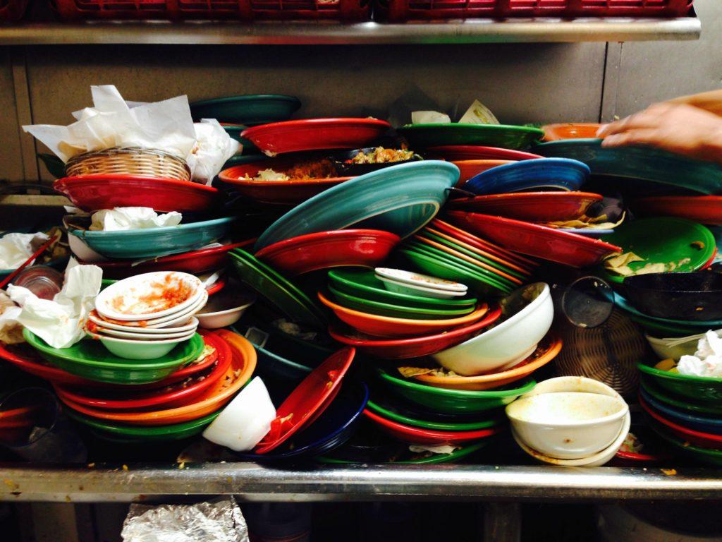 šta znači sanjati tanjir tanjire