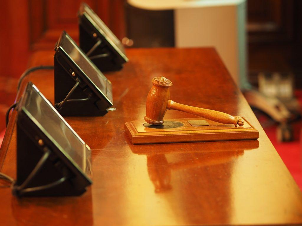 Šta znači sanjati sudiju