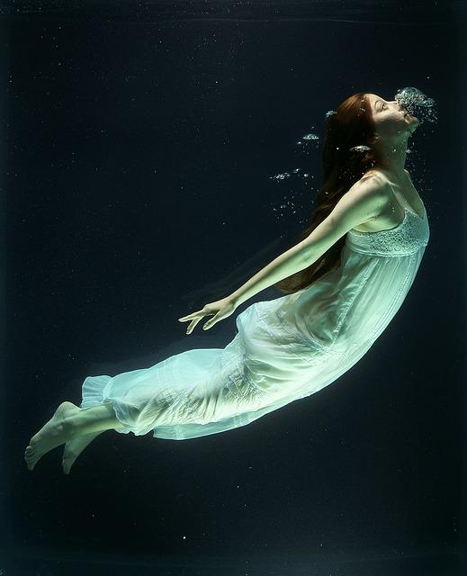 sanjati utopljenika znacenje sna